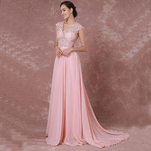 Eleganckie Rumieniąc Różowy Sukienki Wieczorowe 2018 Princessa V-Szyja Bez Rękawów Aplikacje Z Koronki Trenem Sąd Przebili Sukienki Wizytowe