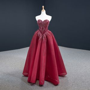 Luxury / Gorgeous Burgundy Engagement Prom Dresses 2020 Ball Gown Sweetheart Sleeveless Handmade  Beading Floor-Length / Long Backless Formal Dresses