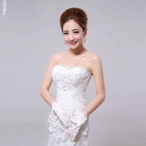 2015 Short White Gloves Handmade Lace Flowers Bridal Gloves