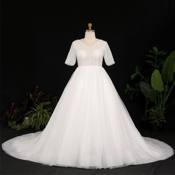 Amazing / Unique Ivory Plus Size Ball Gown Wedding Dresses 2021 V-Neck Crossed Straps Short Sleeve Backless Glitter Sequins Solid Color Chapel Train Wedding