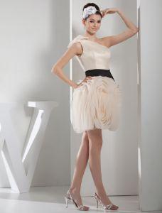 Robe De Bal Une Épaule Robe De Cocktail De Champagne Chic Avec Des Fleurs