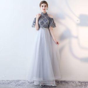 Mode Grau Abendkleider 2017 A Linie Applikationen Rundhalsausschnitt Spitze Stickerei Blumen Abend Festliche Kleider