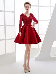 Eleganckie Strona Sukienka 2016 V-neck Koronki Cekiny Aplikacja Bordowy Satynowa Sukienki Wizytowe