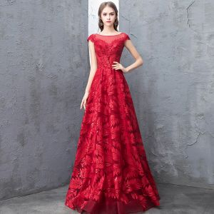 Chic / Beautiful Burgundy Evening Dresses  2018 A-Line / Princess Lace Sequins Scoop Neck Backless Cap Sleeves Floor-Length / Long Formal Dresses