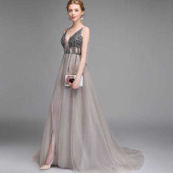 Seksowne Szary Sukienki Na Bal 2020 Princessa Głęboki V-Szyja Bez Rękawów Frezowanie Cekiny Podział Przodu Trenem Sweep Bez Pleców Wzburzyć Sukienki Wizytowe