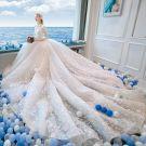 Style Chinois Ivoire Perlage Robe De Mariée 2019 Princesse Col Haut Noeud Perle En Dentelle Fleur Faux Diamant Gland Paillettes 3/4 Manches Royal Train