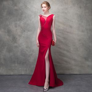 Sexy Burgundy Evening Dresses  2018 Trumpet / Mermaid Beading Metal V-Neck Backless Sleeveless Sweep Train Formal Dresses