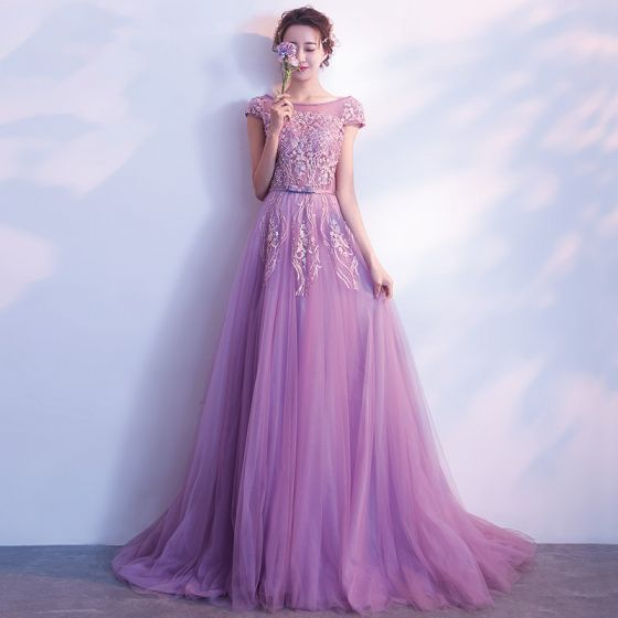 Elegant Lilac Evening Dresses  2018 A-Line / Princess Scoop Neck Cap Sleeves Appliques Lace Pearl Beading Bow Sash Sweep Train Ruffle Backless Formal Dresses