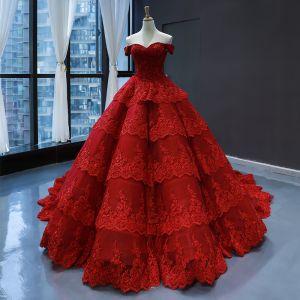 Luksusowe Czerwone ślubna Suknie Ślubne 2020 Suknia Balowa Przy Ramieniu Kótkie Rękawy Bez Pleców Aplikacje Z Koronki Trenem Kaplica Kaskadowe Falbany