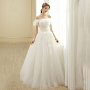 Affordable Ivory Wedding Dresses 2019 A-Line / Princess Off-The-Shoulder Lace Flower Short Sleeve Backless Floor-Length / Long