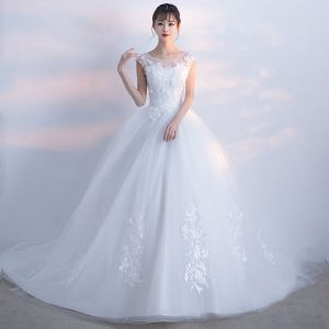 Chic / Beautiful White Wedding Dresses 2017 Appliques Lace Tulle