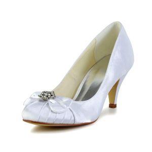 Princesse Volant Bout Rond Milieu Talons Blancs Chaussures De Mariée En Satin Avec Strass Noeud