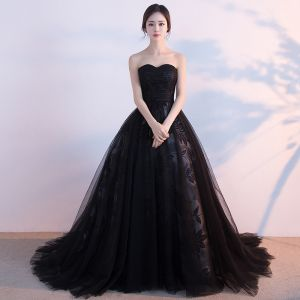 Modest / Simple Black Prom Dresses 2017 Ball Gown Sweetheart Sleeveless Chapel Train Ruffle Backless Formal Dresses