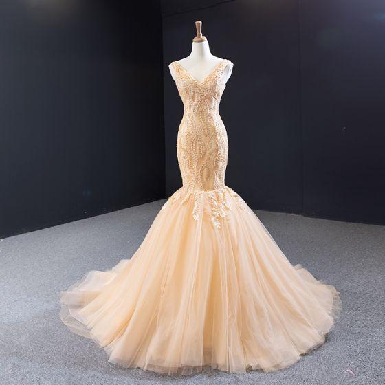Beste Champagner Gold Brautkleider / Hochzeitskleider 2020 Meerjungfrau V-Ausschnitt Ärmellos Rückenfreies Blatt Applikationen Spitze Hof-Schleppe