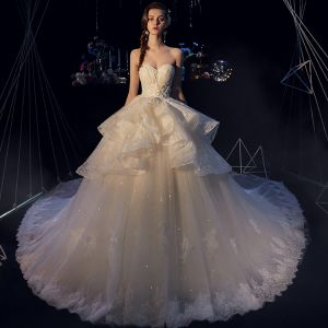 Elegant Ivory Brudekjoler 2019 Balkjole Sweetheart Ærmeløs Halterneck Applikationsbroderi Med Blonder Glitter Tulle Cathedral Train Flæse