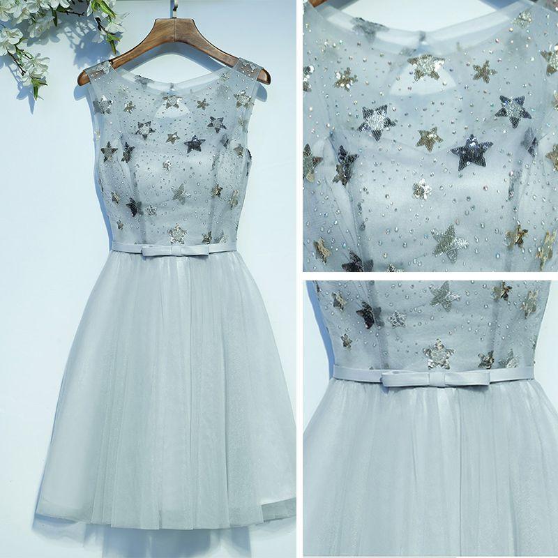 Modest / Simple Grey Graduation Dresses 2017 A-Line / Princess Bow Sequins Backless Scoop Neck Sleeveless Short Formal Dresses