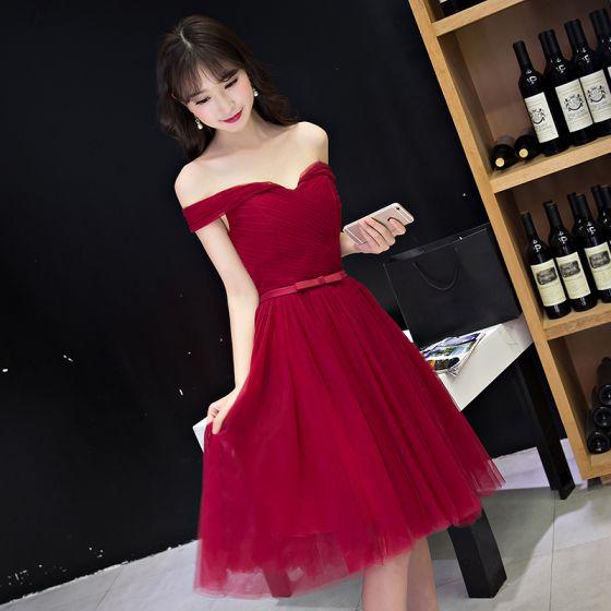 Seksowne Czerwone Sukienki Wizytowe 2017 Princessa Kokarda Bez Pleców Przy Ramieniu Kótkie Rękawy Krótkie Strona Sukienka