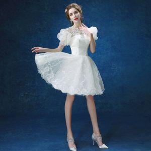 Schöne Weiß Hochzeit 2018 Spitze U-Ausschnitt A Linie Perlenstickerei Applikationen Rückenfreies Brautkleider