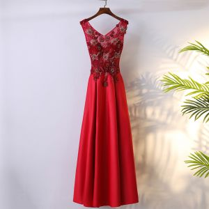 Schöne Rot Festliche Kleider 2017 A Linie Mit Spitze Blumen Schleife Rückenfreies V-Ausschnitt Ärmellos Knöchellänge Abendkleider