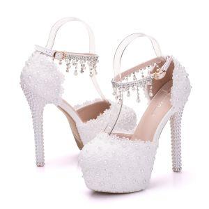 Élégant Blanche Chaussure De Mariée 2018 Bride Cheville En Dentelle Faux Diamant Perle Gland 14 cm Talons Aiguilles À Bout Rond Mariage Talons Hauts