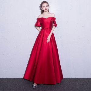 Affordable Red Evening Dresses  2019 A-Line / Princess Off-The-Shoulder Short Sleeve Beading Bow Sash Floor-Length / Long Ruffle Backless Formal Dresses