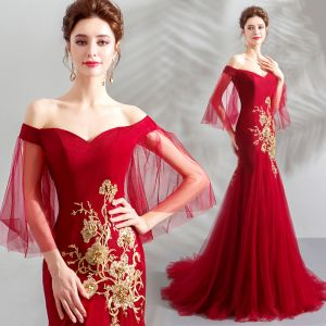 Schöne Rot Abendkleider 2019 Meerjungfrau Off Shoulder Pailletten Spitze Blumen Kurze Ärmel Rückenfreies Sweep / Pinsel Zug Festliche Kleider