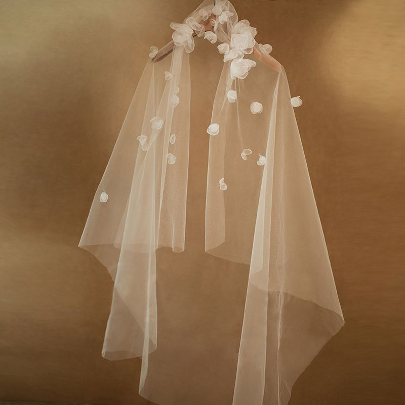 Elegant 2017 White Appliques Tulle Wedding Veils