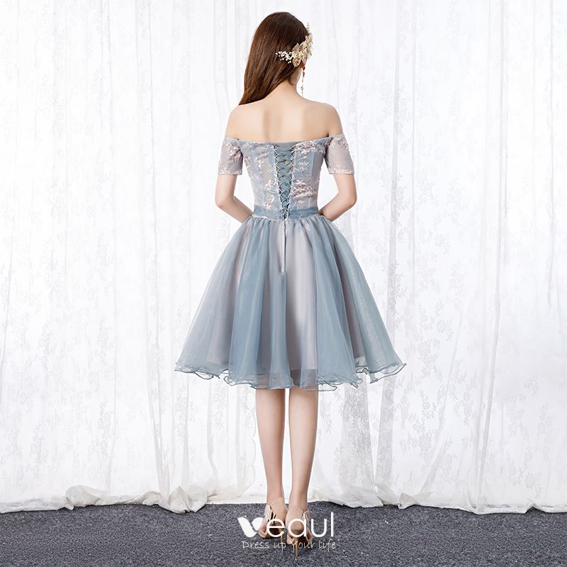 Chic / Beautiful Silver Cocktail Dresses 2019 A-Line / Princess Off-The-Shoulder Bow Pearl Lace Flower Short Sleeve Backless Short Formal Dresses