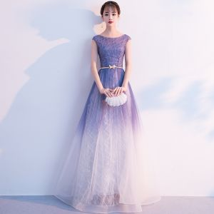Elegante Violett Farbverlauf Weiß Abendkleider 2018 A Linie Rundhalsausschnitt Ärmel Metall Stoffgürtel Lange Rüschen Rückenfreies Festliche Kleider