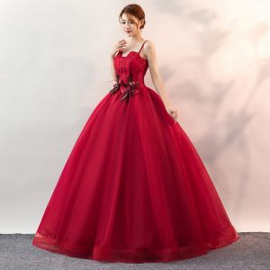Affordable Burgundy Prom Dresses 2020 Ball Gown Spaghetti Straps Sleeveless Appliques Lace Floor-Length / Long Ruffle Backless Formal Dresses