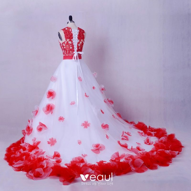 Stunning 2 Piece Red White Wedding Dresses 2017 Scoop Neck Strapless Sleeveless Ruffle Flower Ball Gown