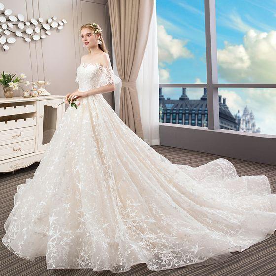 Elegante Champagner Brautkleider 2018 Ballkleid Mit Spitze Star Perle Rundhalsausschnitt Rückenfreies Kurze Ärmel Königliche Schleppe Hochzeit