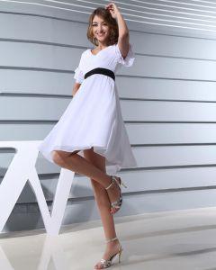 Art Und Weise Chiffon Satin Seide Gefalteten V-ausschnitt Kurzarm Oberschenkel Länge Abiballkleider / Abschlussballkleider