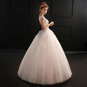 Chic / Beautiful Hall Wedding Dresses 2017 Lace Sequins Appliques Backless Rhinestone Pearl Scoop Neck Sleeveless Floor-Length / Long White Ball Gown