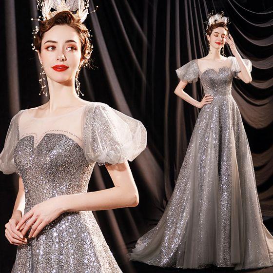 Brillante Encantador Plata Vestidos de noche 2021 A-Line / Princess Scoop Escote Glitter Lentejuelas Manga Corta Sin Espalda Colas De Barrido Noche Vestidos Formales