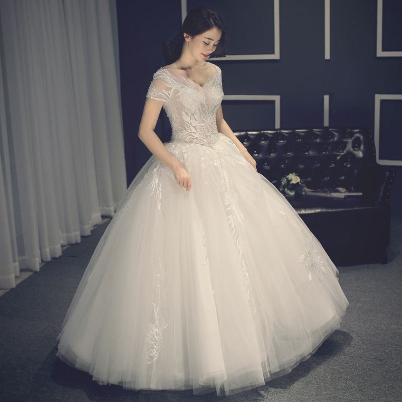 Modern / Fashion Chic / Beautiful Church Hall Wedding Dresses 2017 Lace Appliques Rhinestone Backless Short Sleeve V-Neck Floor-Length / Long White Ball Gown