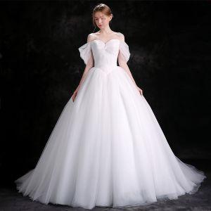 Schlicht Weiß Brautkleider 2018 Ballkleid Off Shoulder Rückenfreies Ärmellos Kathedrale Schleppe Hochzeit