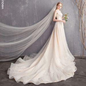 Snygga / Fina Champagne Bröllopsklänningar 2018 Prinsessa Spets Urringning Halterneck Ärmlös Chapel Train Bröllop