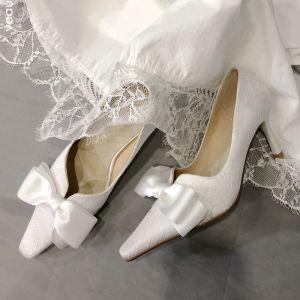 Elegante Ivory / Creme Spitze Brautschuhe 2020 Leder Schleife 7 cm Stilettos Spitzschuh Hochzeit Pumps