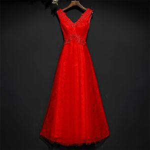 Schöne Rot Festliche Kleider Abendkleider 2017 Spitze Blumen Pailletten Knöchellänge Ärmellos V-Ausschnitt A Linie