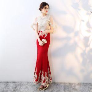 Chic / Belle Rouge Avec Châle Robe De Soirée 2019 Trompette / Sirène Perlage Faux Diamant En Dentelle Fleur Encolure Dégagée Sans Manches Longueur Cheville Robe De Ceremonie