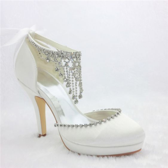 Glamorous White Bridal Shoes Satin Stilettos Pumps With Rhinestone Pendant Jewelry