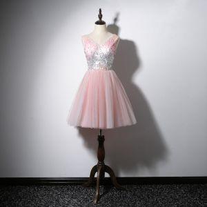 Charmant Rose Bonbon Robe De Cocktail 2020 Princesse V-Cou Paillettes Sans Manches Dos Nu Courte Robe De Ceremonie