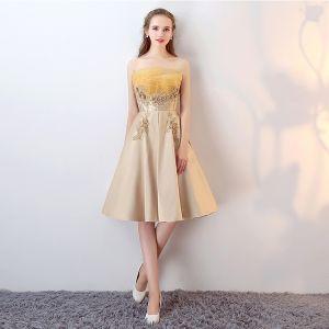 Schöne 2017 Gold Cocktailkleider Bandeau Spitze Handgefertigt Applikationen A Linie Cocktail Abendkleider