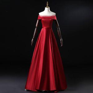 Simple Bordeaux Satin Robe De Soirée 2020 Princesse De l'épaule Manches Courtes Ceinture Longue Volants Dos Nu Robe De Ceremonie
