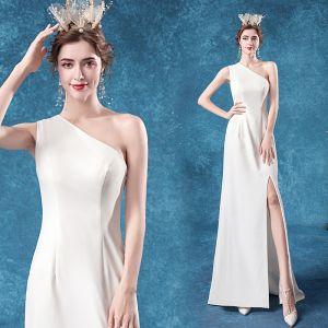 Niedrogie Kość Słoniowa Sukienki Wieczorowe 2020 Syrena / Rozkloszowane Jedno Ramię Bez Rękawów Bez Pleców Długie Sukienki Wizytowe