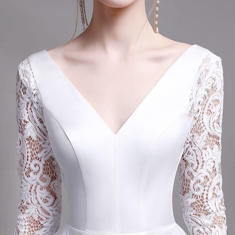Classic White Beach Wedding Dresses 2019 A-Line / Princess V-Neck Lace Flower Long Sleeve Backless Floor-Length / Long