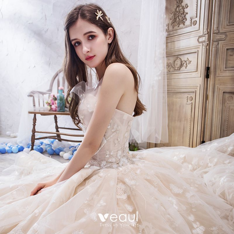 Chic / Beautiful Champagne Wedding Dresses 2019 Ball Gown Sweetheart Sleeveless Backless Glitter Appliques Lace Beading Royal Train Ruffle