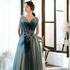 Charmant Tintenblau Farbverlauf Weiß Abendkleider 2020 A Linie Herz-Ausschnitt Ärmellos Applikationen Perlenstickerei Glanz Tülle Lange Rüschen Rückenfreies Festliche Kleider