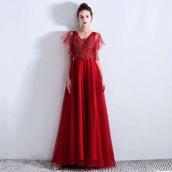 Chic / Beautiful Burgundy Evening Dresses  2019 A-Line / Princess V-Neck Beading Crystal Lace Flower Short Sleeve Backless Floor-Length / Long Formal Dresses